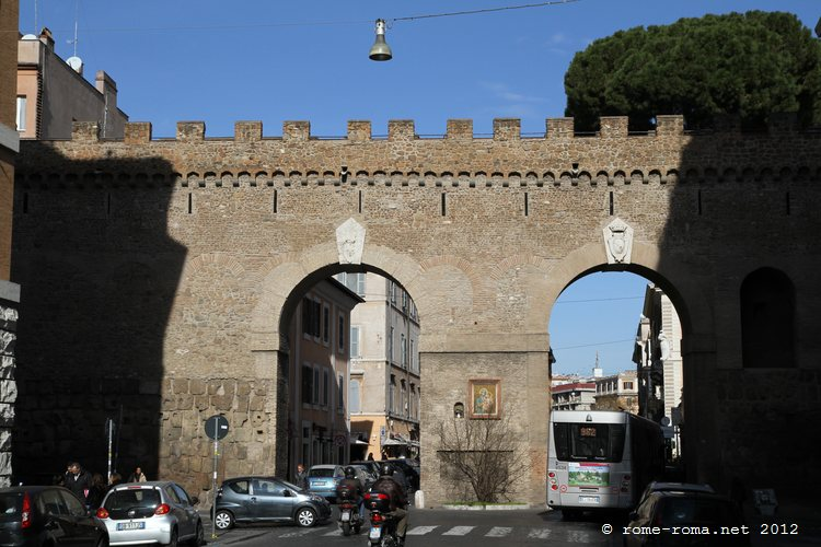 Une partie du Passeto, mur et chemin reliant le Vatican au château Saint-Ange