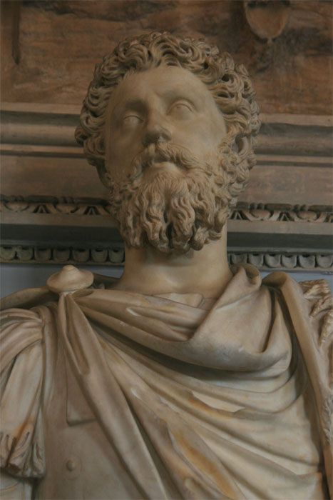 http://www.rome-roma.net/foto/musees-du-capitole/images/empereurs/marco_aurelio_musee_capitole_empereurs_6561.jpg