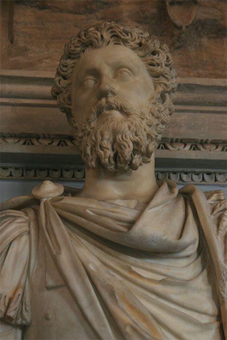 http://www.rome-roma.net/foto/musees-du-capitole/images/empereurs/marco_aurelio_musee_capitole_empereurs_6561.jpg