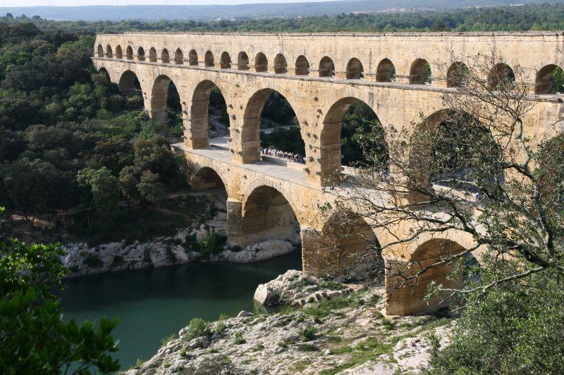 Construction des aqueducs romains