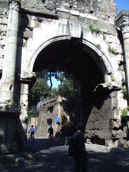 Arco di Druso e Porta San Sebastiano