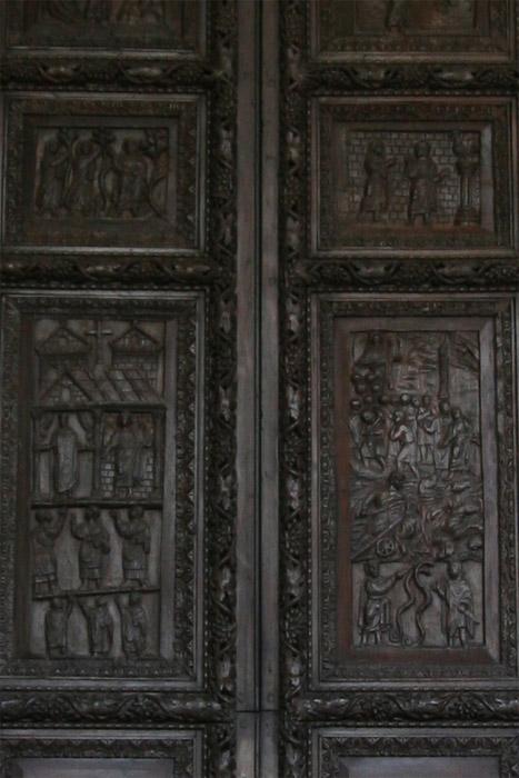 La porte en vois du Ve siècle Sainte Sabine