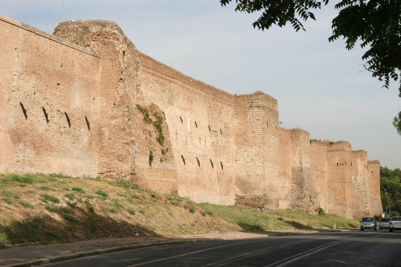 Murs d'Aurélien et portes de Rome