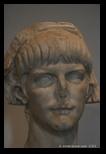 Neron, jeune et moins jeune