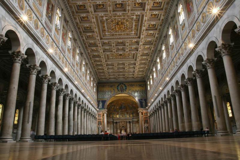Interno, navata centrale di san paolo fuori le mura