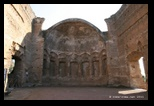 Salle des philosophes - villa d'hadrien