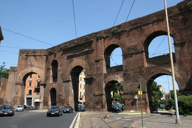 Mure di aureliano e porte - Rome porta maggiore ...