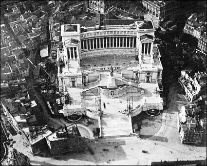 Vittoriano & Piazza Venezia, 1910
